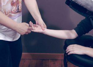 formation-massage-bien-etre-assis-anjayati-02