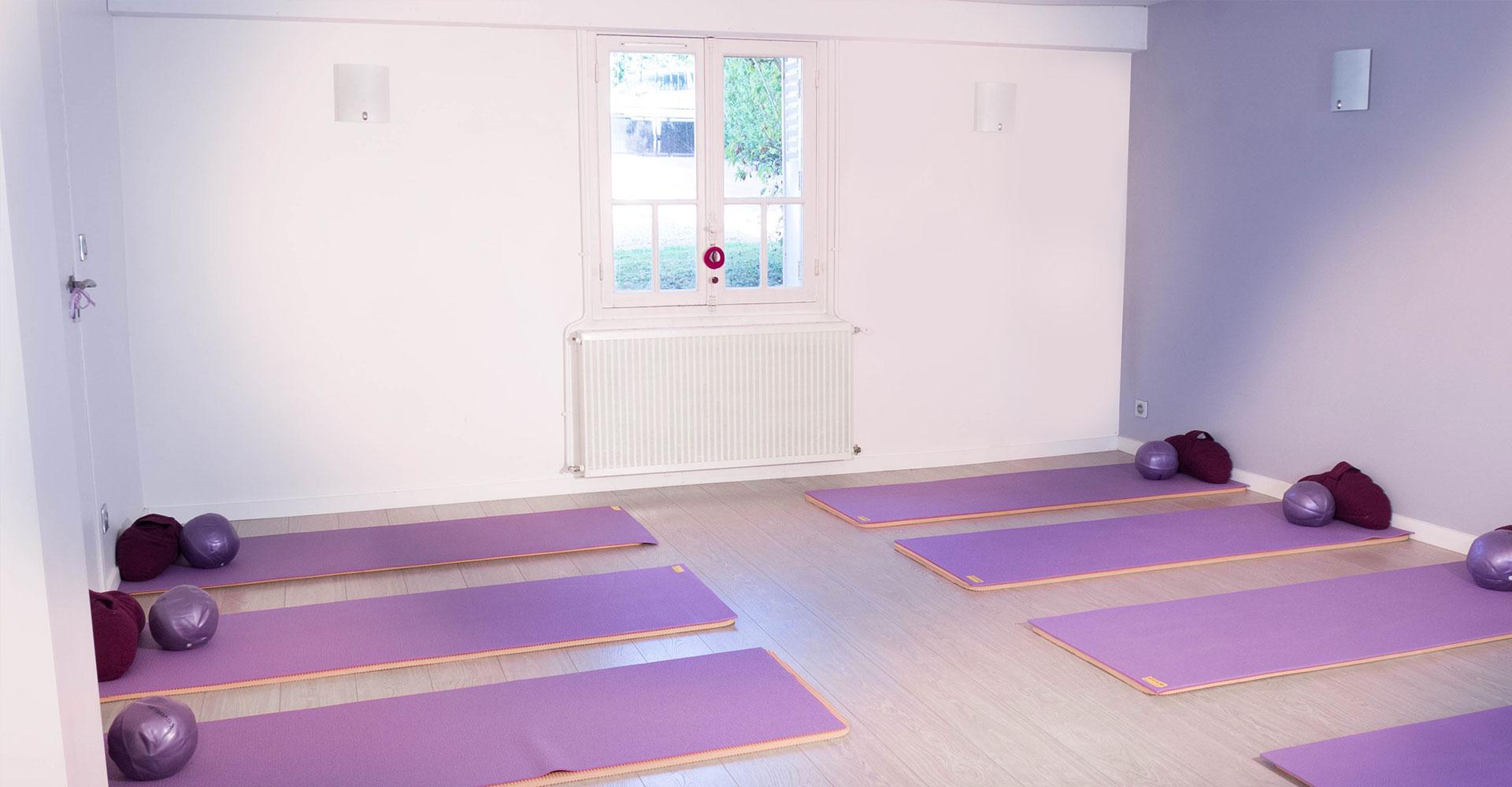 salle-de-yoga-centre-anjayati-2