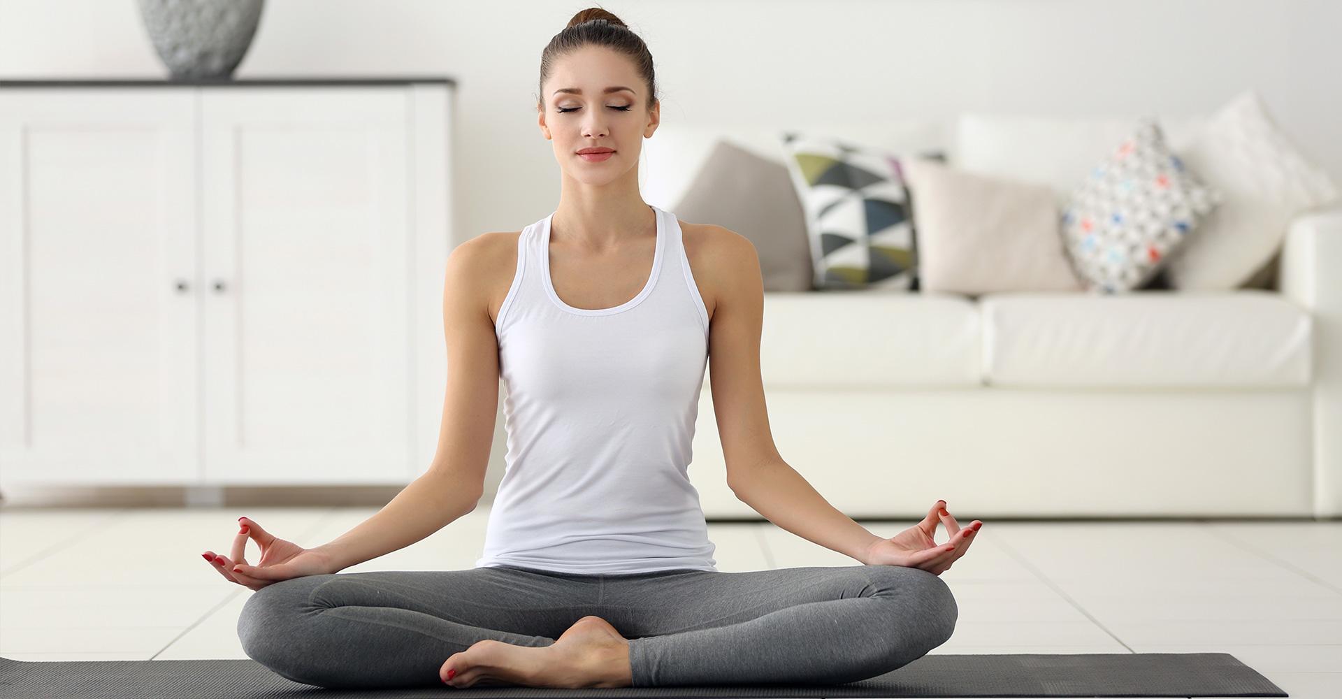 cours de yoga domicile pratique et bienfaits anjayati. Black Bedroom Furniture Sets. Home Design Ideas