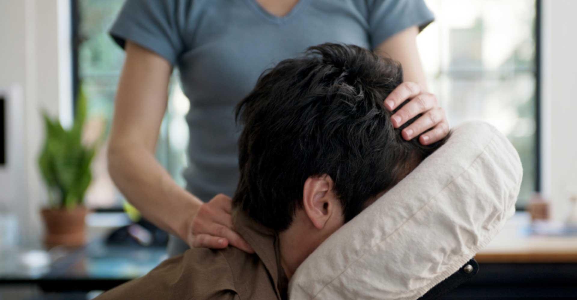 Formation animateur bien-être - Le massage assis